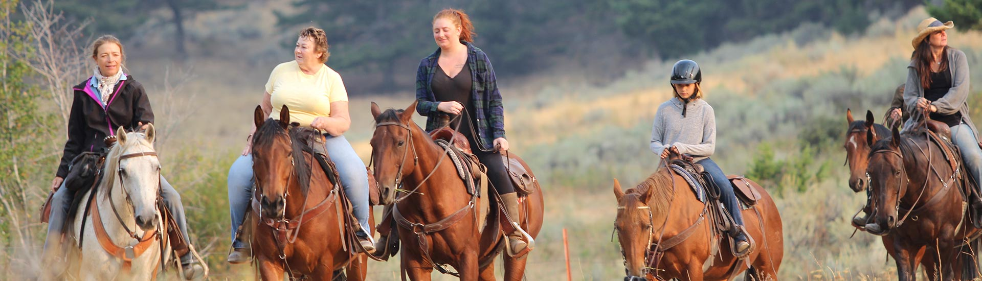 Montana Retreat - Women horseback riding