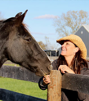Linda Bruce with horse